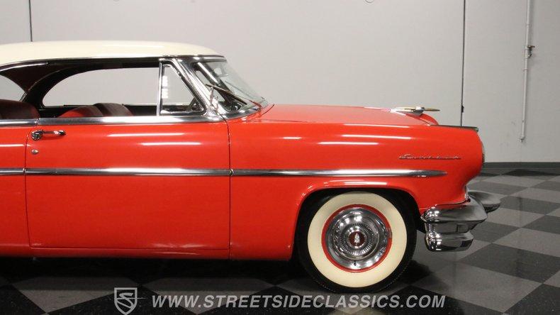 1954 Lincoln Capri 32