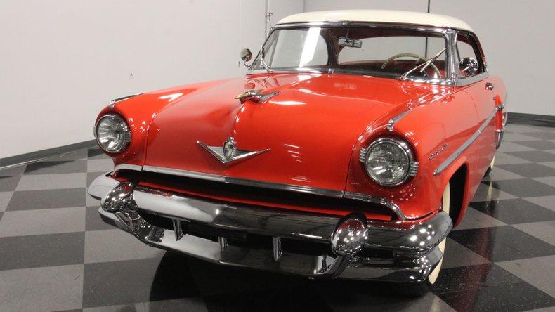 1954 Lincoln Capri 20