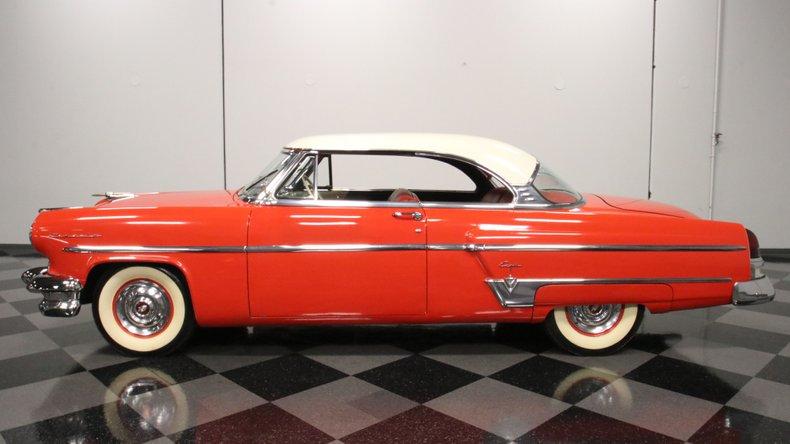1954 Lincoln Capri 2