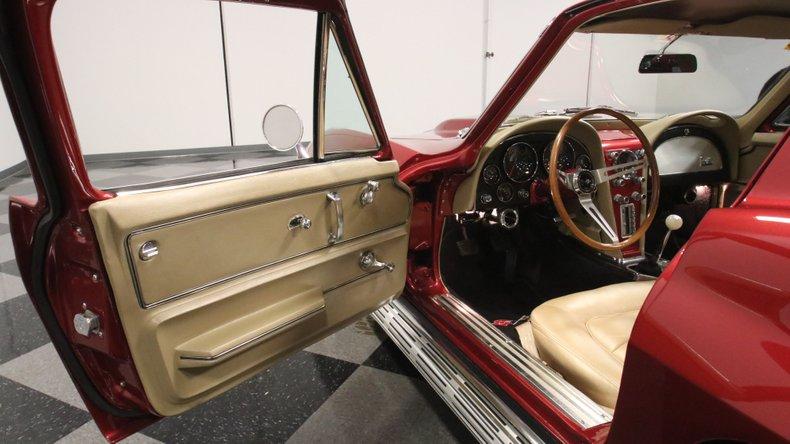 1966 Chevrolet Corvette 37