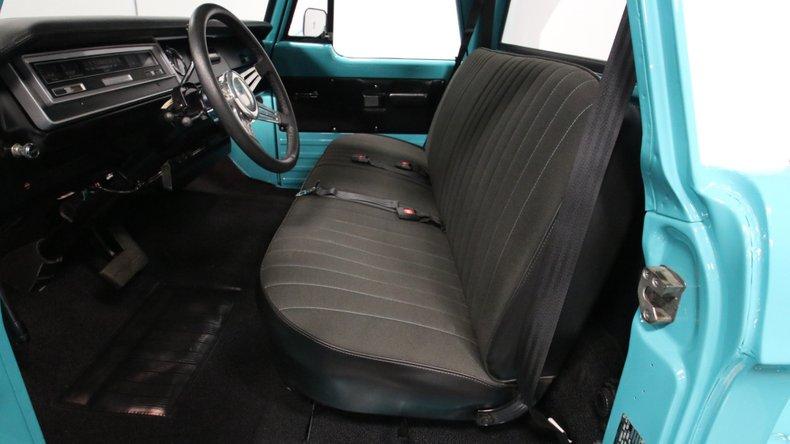 1971 Dodge D100 4