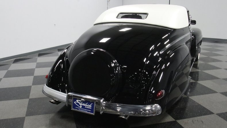 1947 Ford Deluxe 12