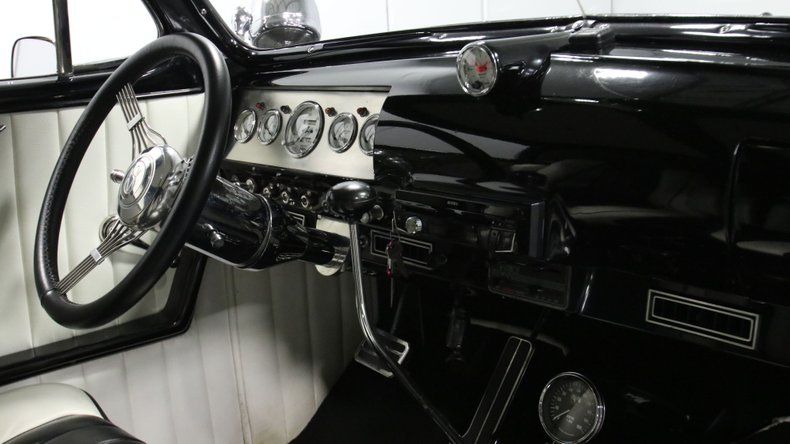 1947 Ford Deluxe 55