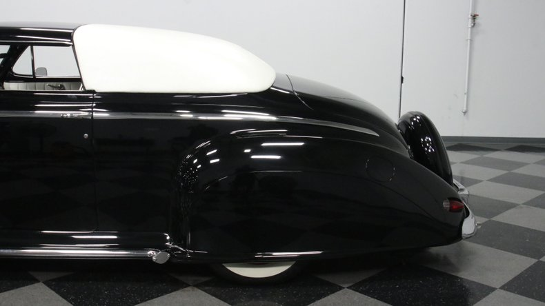 1947 Ford Deluxe 25