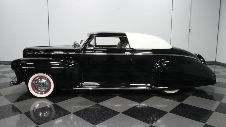 1947 Ford Deluxe 2