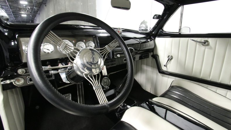 1947 Ford Deluxe 43