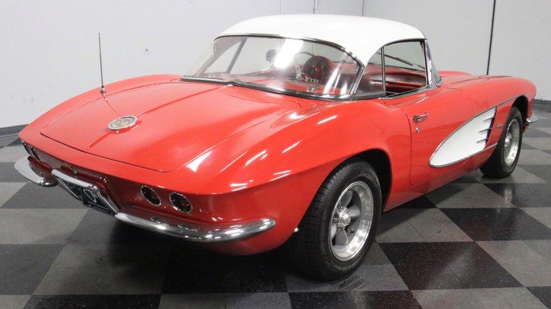 1961 Chevrolet Corvette 13