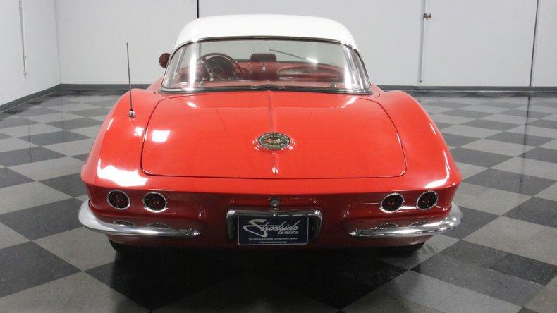 1961 Chevrolet Corvette 11