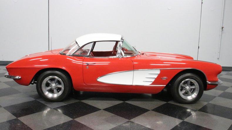 1961 Chevrolet Corvette 15