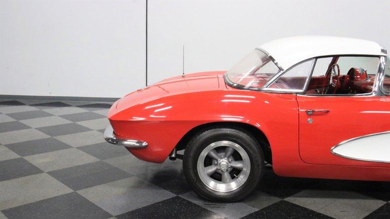 1961 Chevrolet Corvette 31