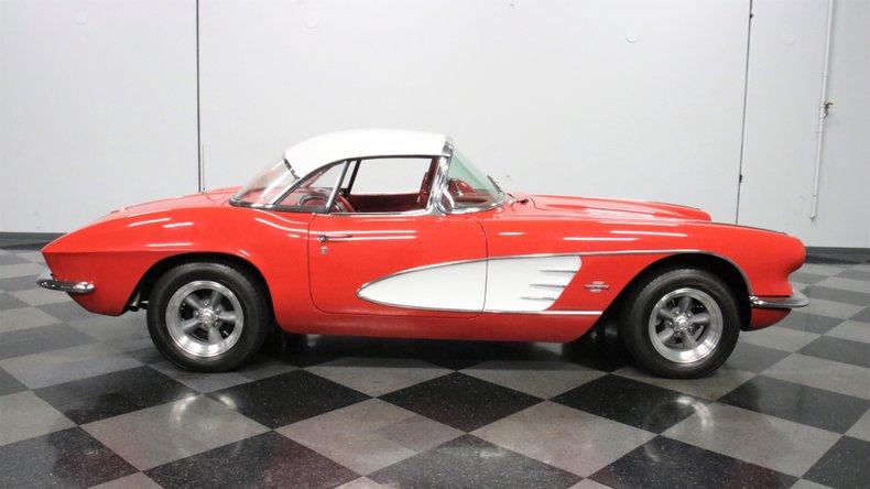 1961 Chevrolet Corvette 30