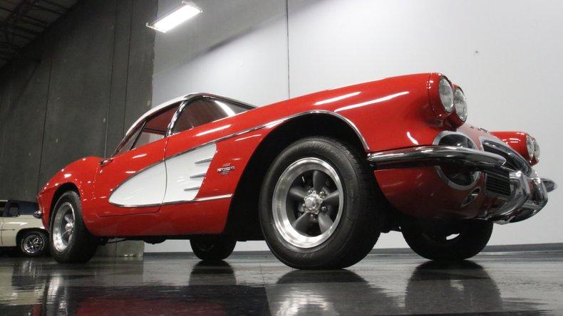 1961 Chevrolet Corvette 33