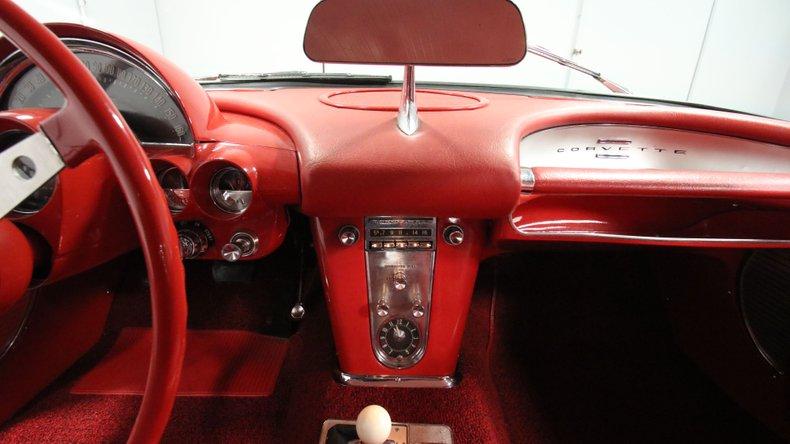 1961 Chevrolet Corvette 45