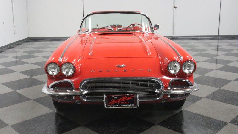 1961 Chevrolet Corvette 19