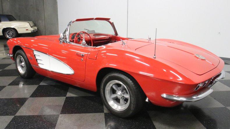 1961 Chevrolet Corvette 8