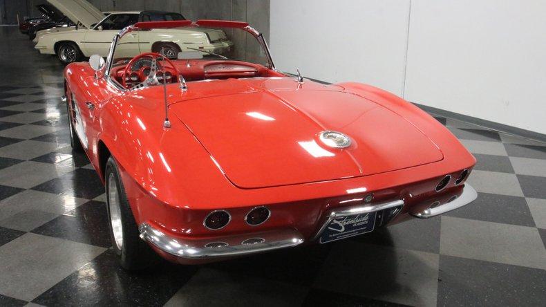 1961 Chevrolet Corvette 10