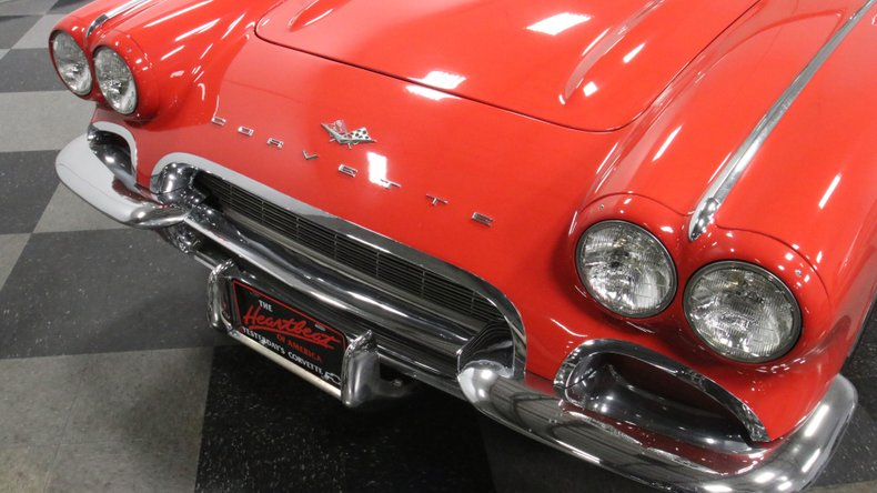 1961 Chevrolet Corvette 22
