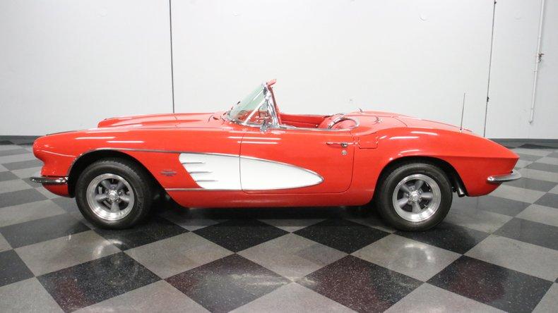 1961 Chevrolet Corvette 2