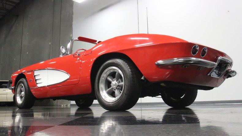 1961 Chevrolet Corvette 26