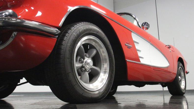1961 Chevrolet Corvette 23