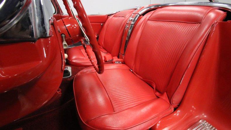 1961 Chevrolet Corvette 44