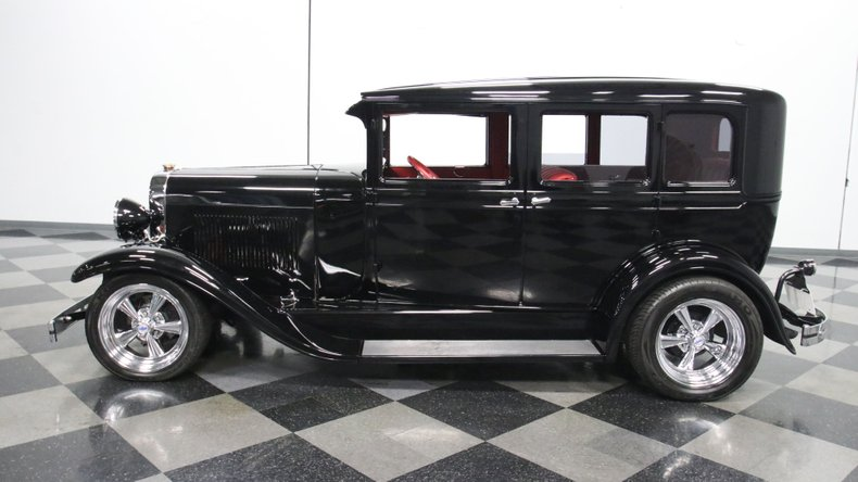1929 Oldsmobile 4 Door Sedan Restomod 2