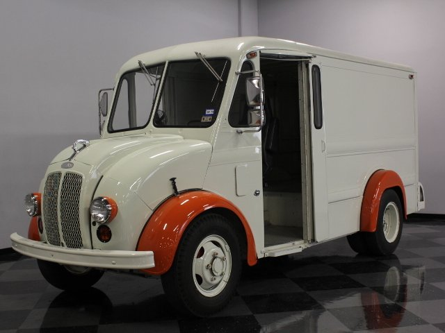1985 divco 200c delivery truck