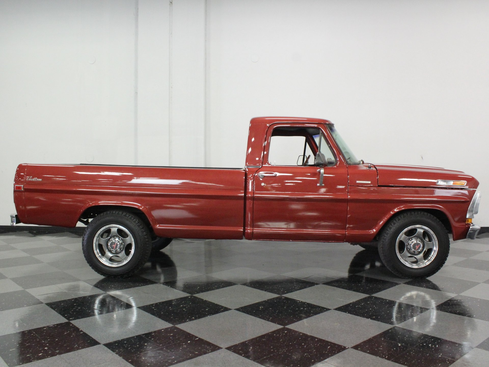 1971 Ford F 250 Streetside Classics The Nations Trusted Classic 4x4 Highboy Spincar View Play Video 360