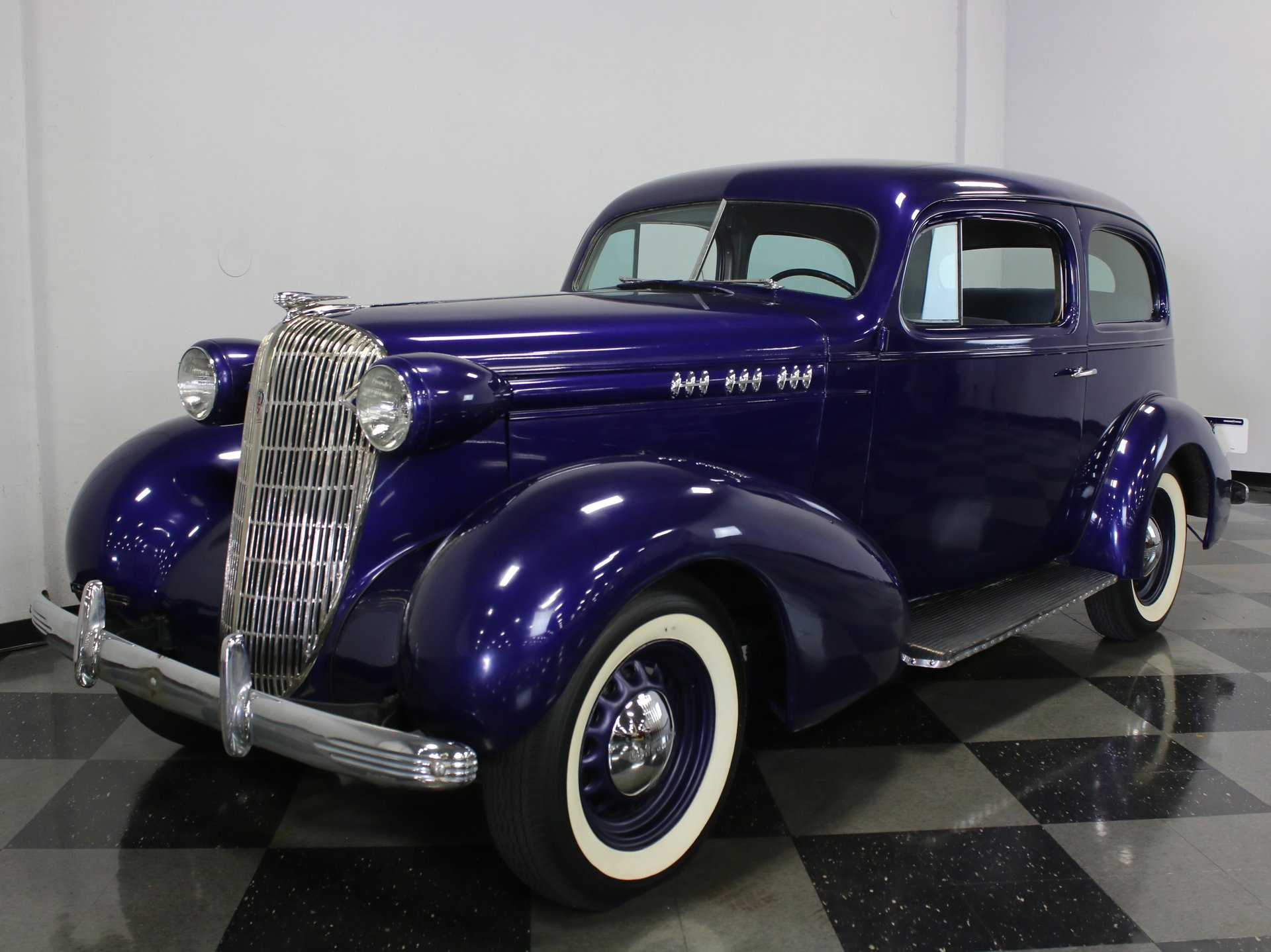 1936 oldsmobile f36 2 door touring