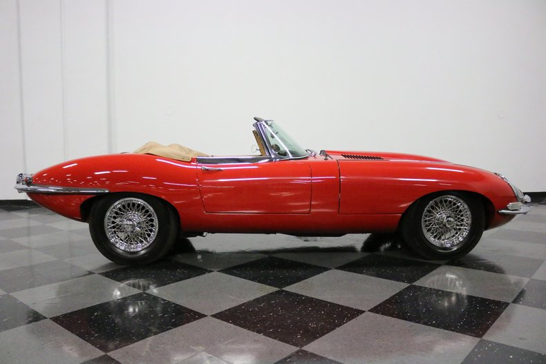 1967 Jaguar E-Type 38