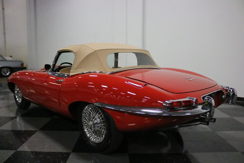 1967 Jaguar E-Type 25