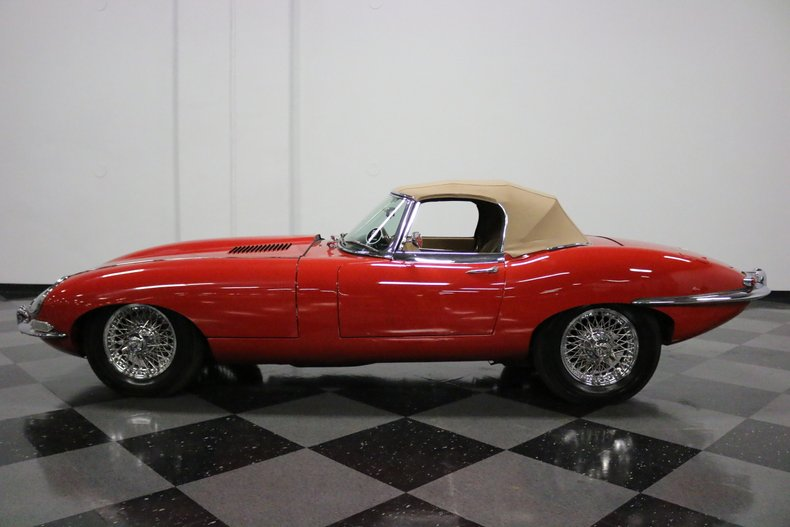 1967 Jaguar E-Type 24