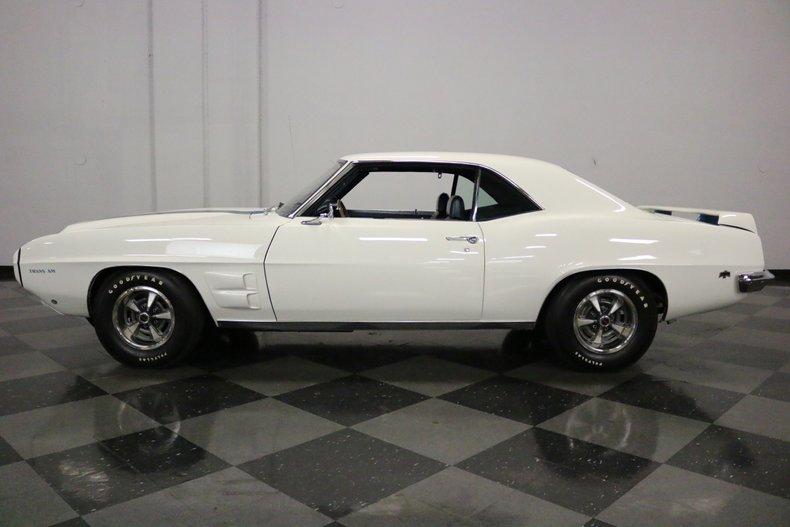 1969 Pontiac Firebird 2