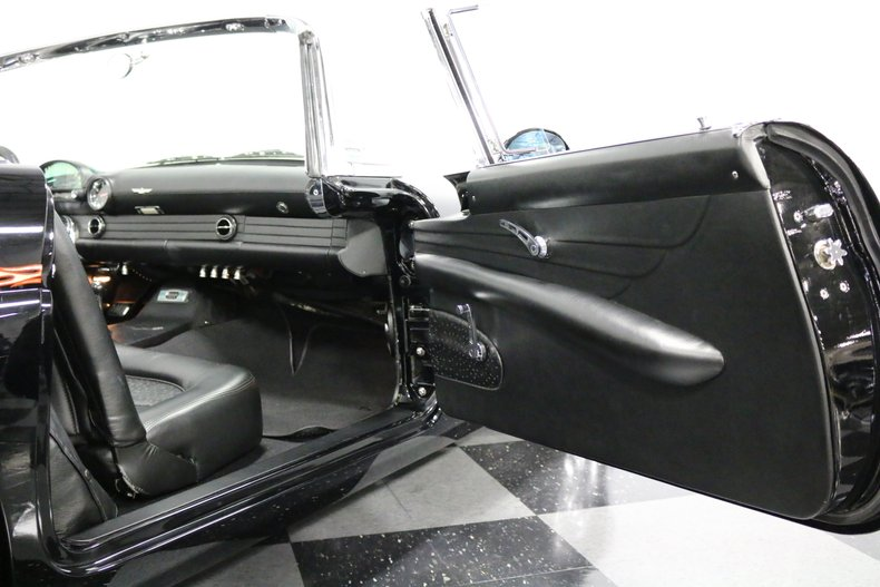 1956 Ford Thunderbird 64