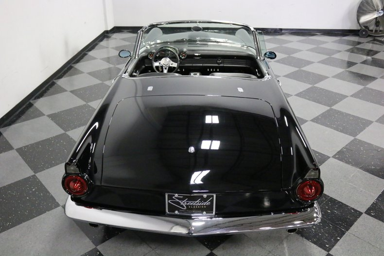 1956 Ford Thunderbird 35