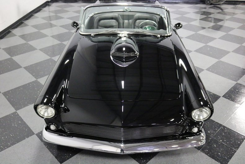 1956 Ford Thunderbird 22