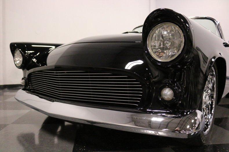 1956 Ford Thunderbird 23