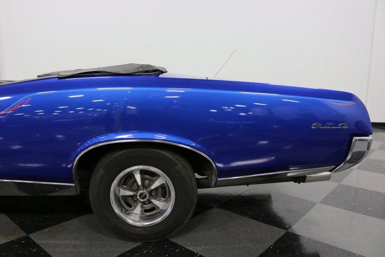 1967 Pontiac GTO 32