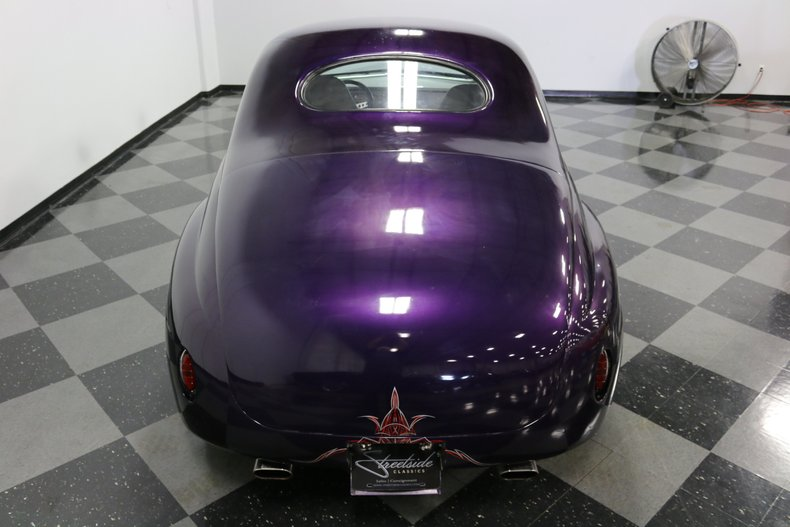 1946 Ford Coupe 31