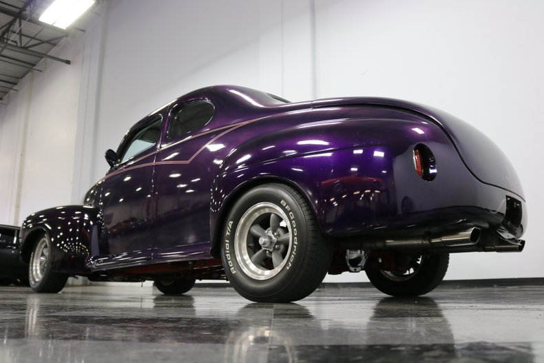 1946 Ford Coupe 29