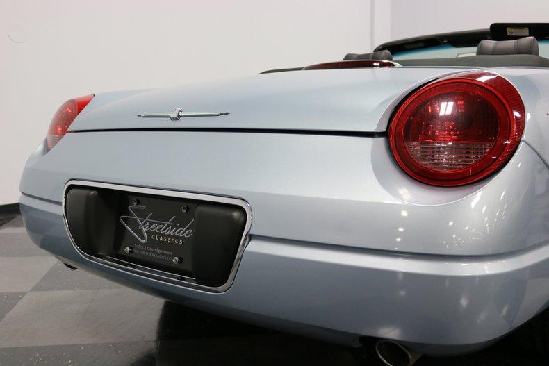 2004 Ford Thunderbird 40