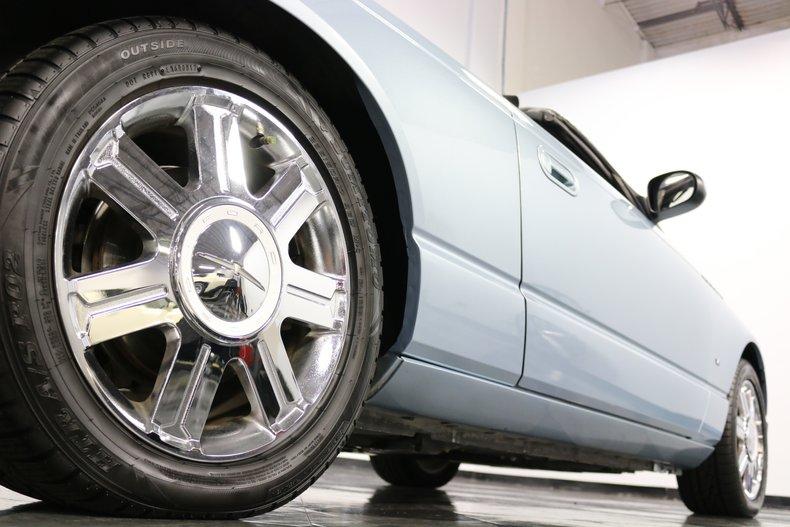 2004 Ford Thunderbird 41