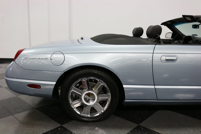 2004 Ford Thunderbird 43