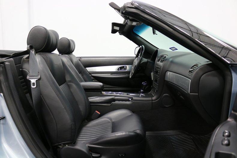 2004 Ford Thunderbird 64
