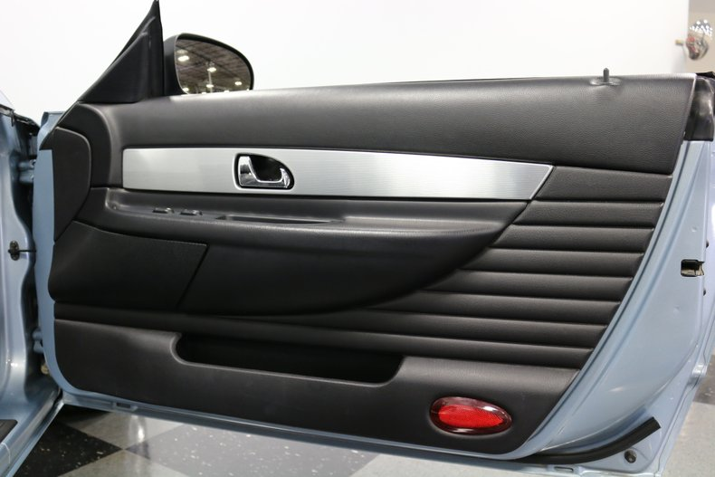 2004 Ford Thunderbird 67