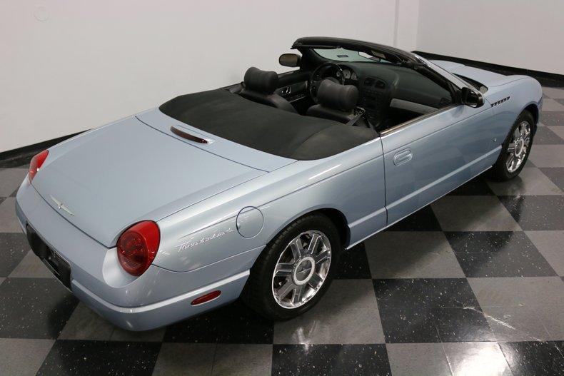 2004 Ford Thunderbird 38