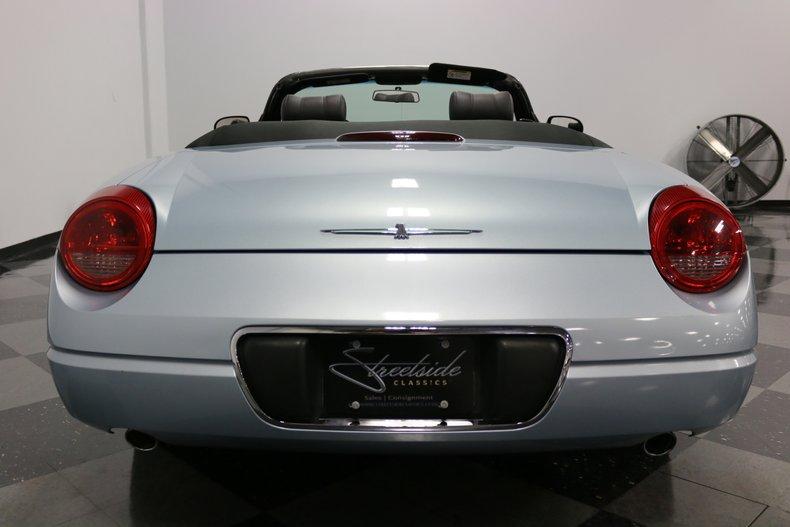 2004 Ford Thunderbird 11