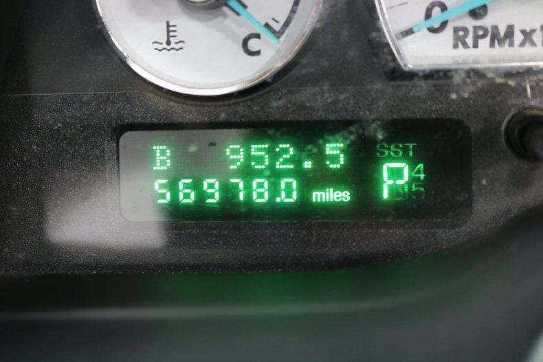 2004 Ford Thunderbird 59