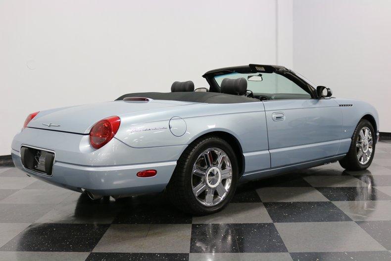 2004 Ford Thunderbird 13