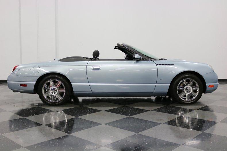 2004 Ford Thunderbird 15